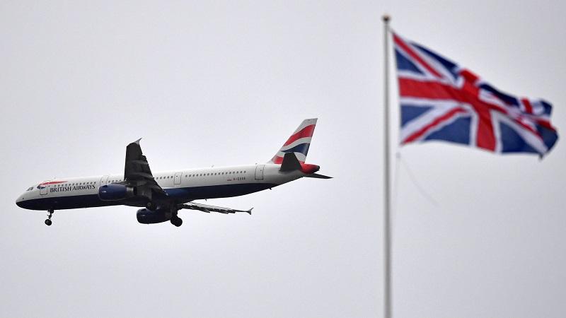 Avião e bandeira de Londres