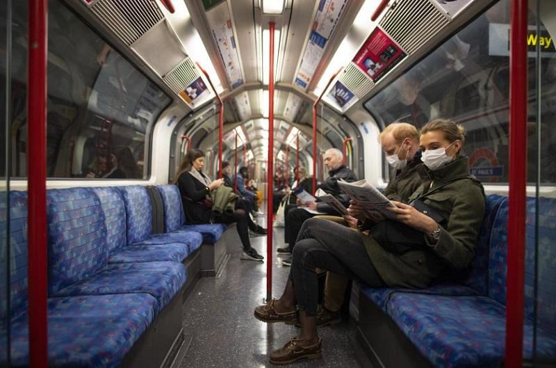Metrô de Londres em pandemia de coronavírus